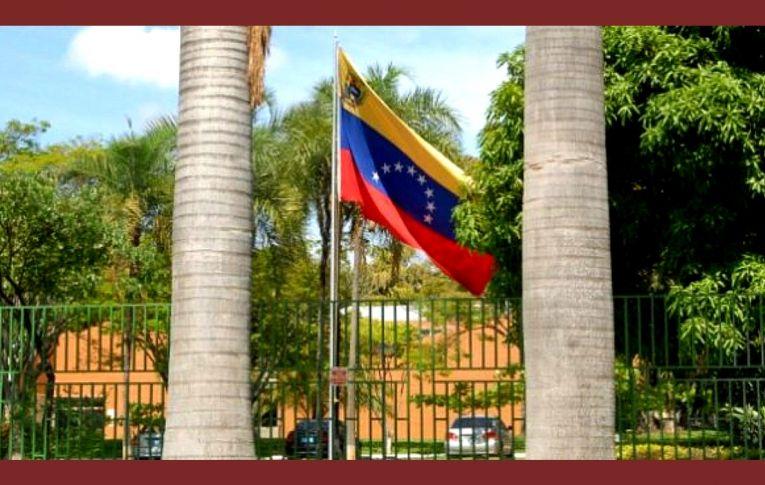 Em nota, governo Bolsonaro diz reprovar invasão da embaixada da Venezuela em Brasília