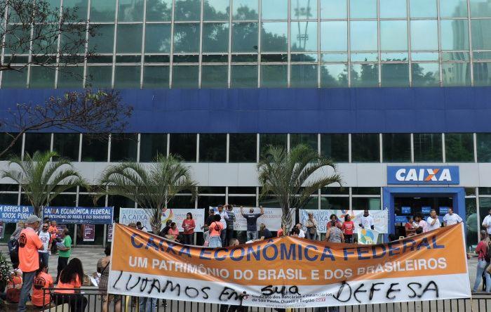 Empregados da Caixa planejam resistência para 2019