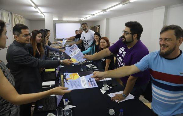 Empregados defendem direitos adquiridos e Caixa 100% pública em mesa com direção do banco