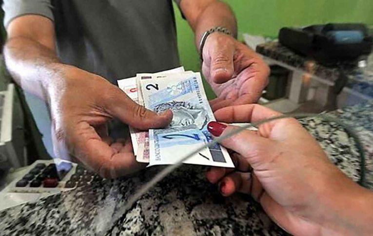 Endividamento da população bate recorde no governo Bolsonaro