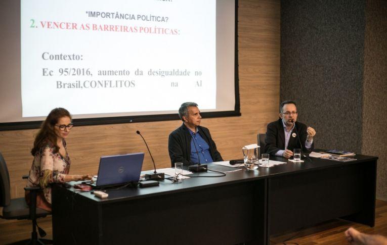 Entidades debatem reforma tributária: 'pobre trabalha 197 dias para pagar impostos, rico 106'