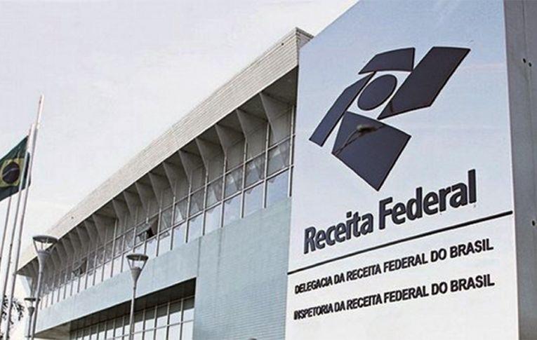 Estado brasileiro alimenta a desigualdade ao não tributar a renda de quem ganha mais