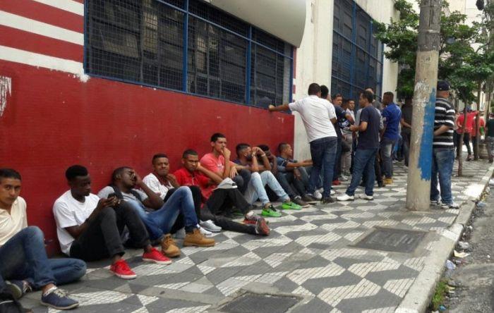 Estagnação na América Latina leva desemprego de jovens ao maior nível em 20 anos