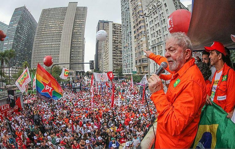'Eu vou voltar. O Lula não é o Lula, é uma ideia, não adianta perseguir'