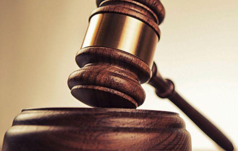 Ex-empregado entra com ação contra banco, perde e terá que pagar R$ 46 mil.
