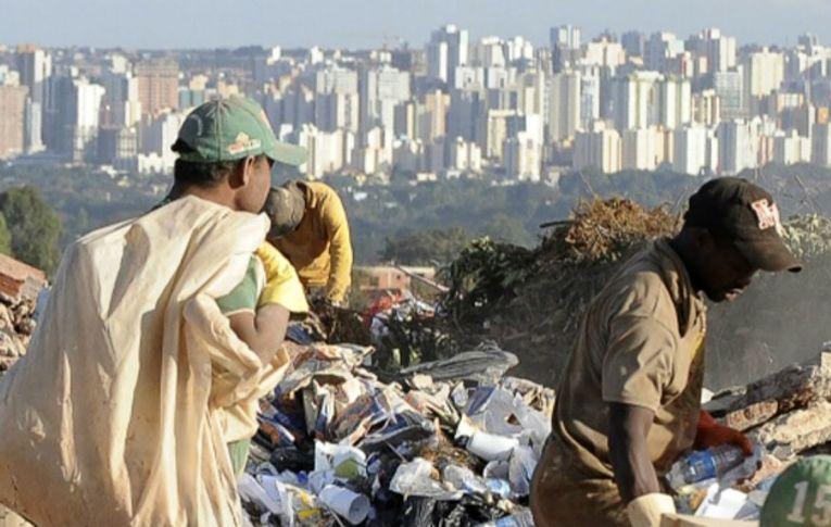 Extrema pobreza cresce pelo 5º ano seguido e deve 'explodir' com a pandemia