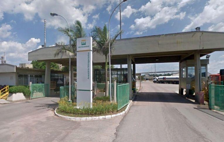 Fechada há um ano pelo governo Bolsonaro, Fafen-PR poderia produzir 30 mil metros cúbicos de oxigênio por hora