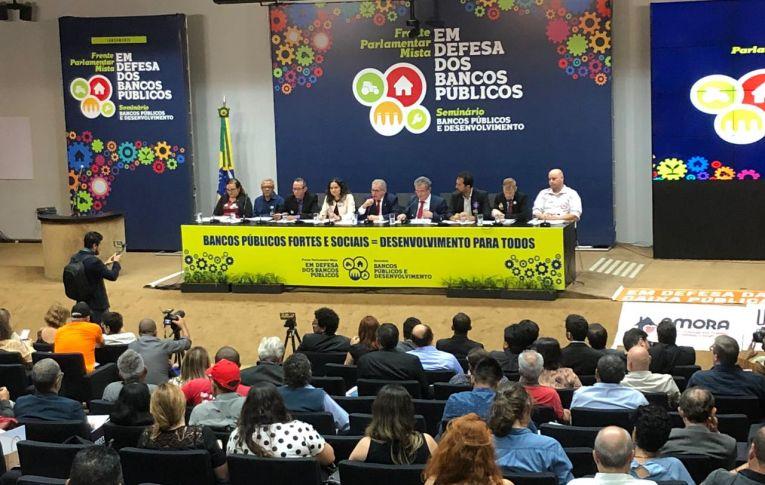 Frente Parlamentar Mista em Defesa dos Bancos Públicos é lançada em Brasília