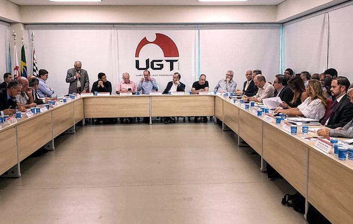 Governo anuncia nova reforma trabalhista e fim da unicidade