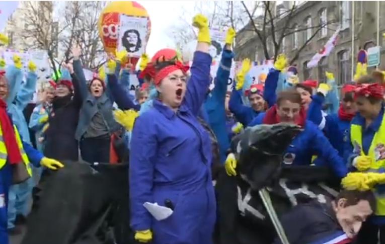 Governo da França recua na idade mínima para Previdência após onda de protestos