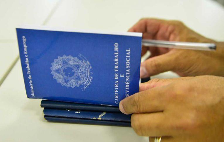 Governo e mídia comemoram 'alta' do emprego com contratação temporária e precária