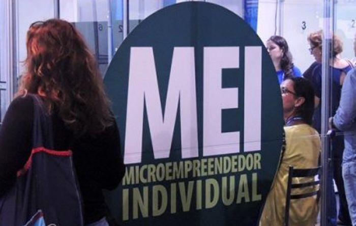 Governo estuda excluir categorias profissionais do regime MEI em 2021