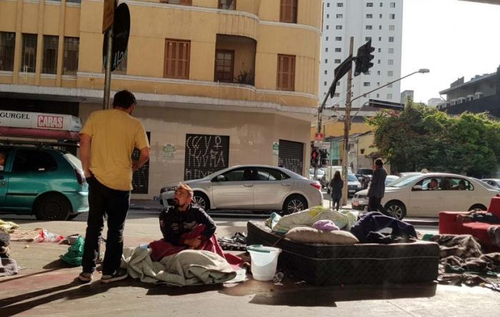 Governo precisa garantir renda mínima para população sobreviver, alerta Dieese