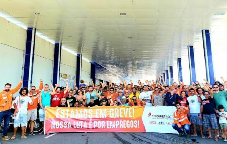 Greve mobiliza 20 mil petroleiros em 116 unidades da Petrobras