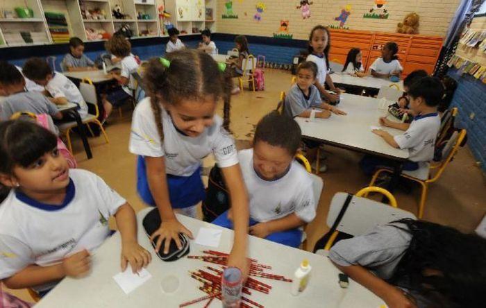 Igrejas e instituições filantrópicas querem dinheiro do Fundeb para escolas privadas
