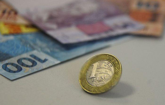 INSS começa a depositar 13º salário de aposentados no dia 25. Confira calendário