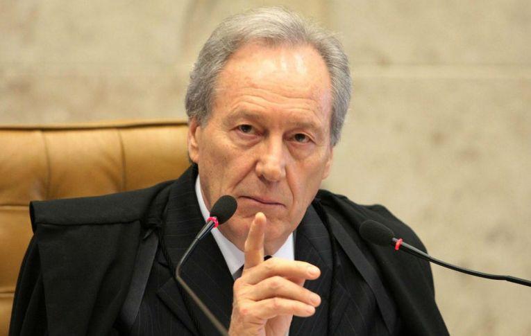 Lewandowski quer que Bolsonaro apresente plano de vacinação em 30 dias