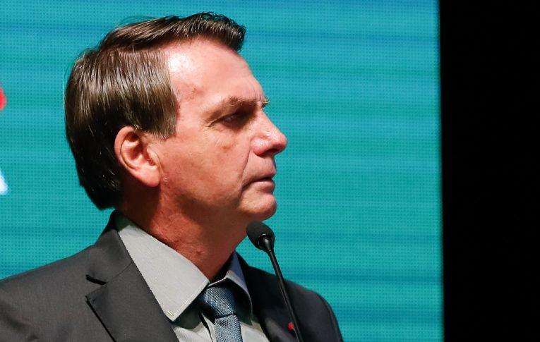Lista de empresários que ovacionaram Bolsonaro em jantar teve devedores, sonegadores e exploradores de mão de obra