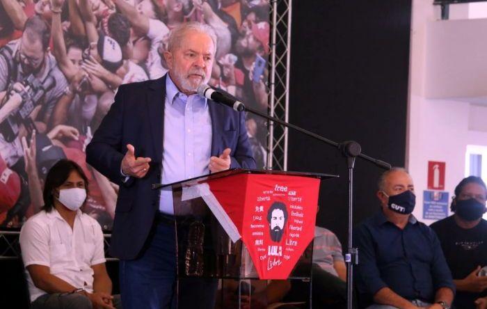 Lula: O país não tem governo. Bolsonaro não cuida da economia, do emprego, da saúde