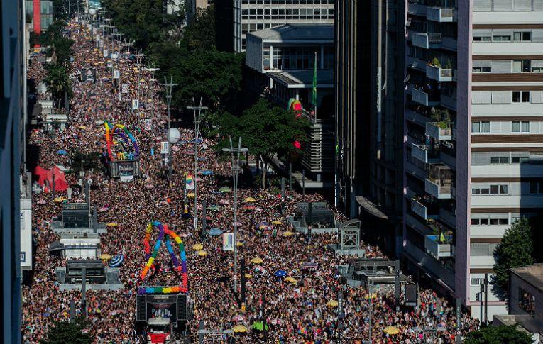 Mais que uma celebração, 23ª Parada do Orgulho LGBT protesta contra governo homofóbico