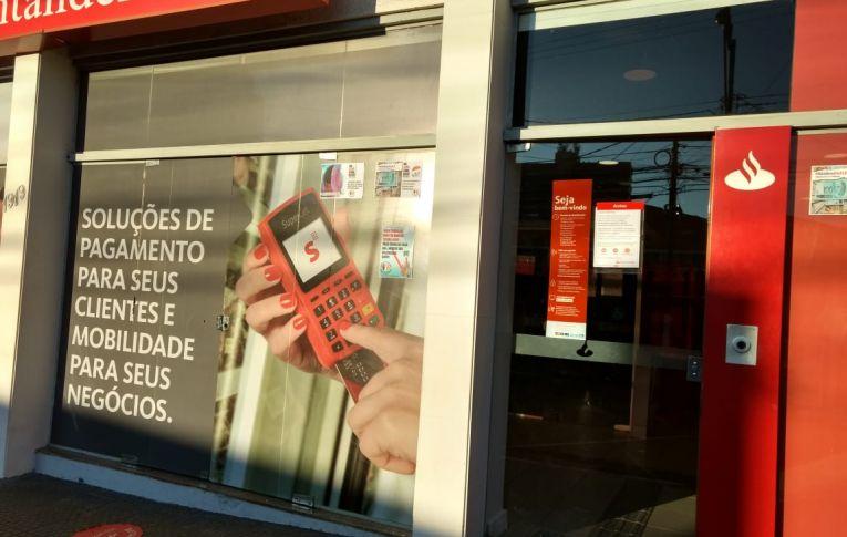 Mais um caso confirmado de covid-19 na agência do Banco Santander de Campo Mourão
