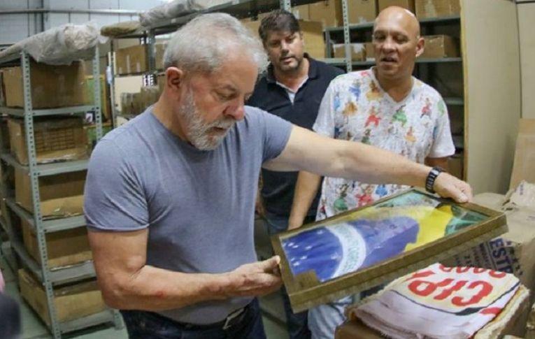 Melhora da imagem de Lula na classe média reflete decepção com o golpe