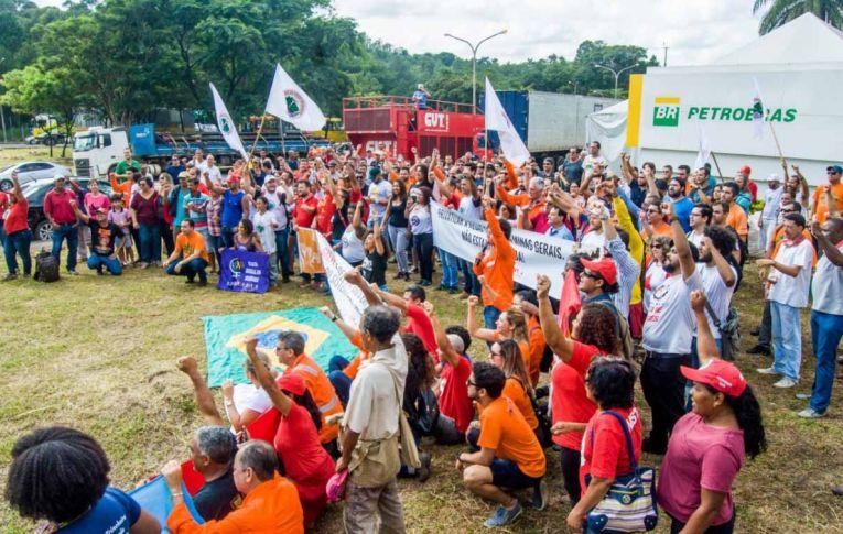 Mobilização dos petroleiros chega a 95 unidades da Petrobras, em 13 estados