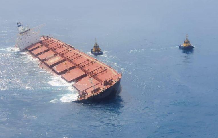 Navio com minério encalhado no Maranhão ameaça envolver a Vale em nova tragédia ambiental