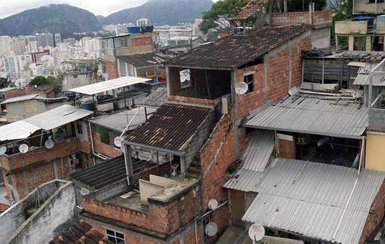 No Brasil, a pobreza é negra. E a renda mínima fica abaixo das despesas