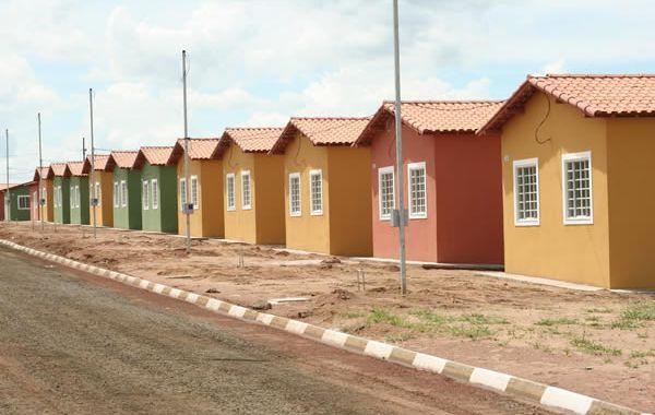 Novas medidas para habitação excluem famílias de baixa renda e geram aumento de despejos