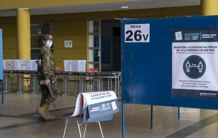 'Nunca mais sem nós', a inédita eleição paritária de constituintes no Chile.