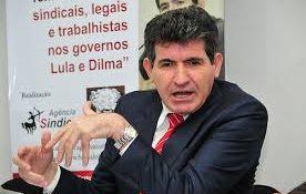 """O """"centro"""" político busca candidato ideal para o mercado"""