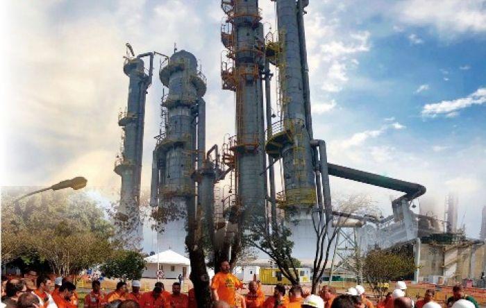 Ocupação da Fafen-PR entra no 3º dia com apoio das esposas e filhos dos petroleiros