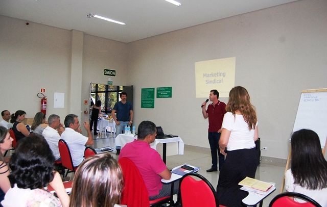 Pactu participa de curso sobre marketing sindical