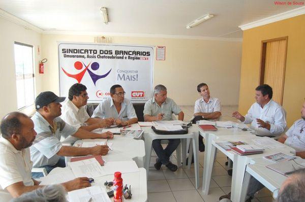 Seeb Umuarama participou da Plenária da CUT Regional Noroeste