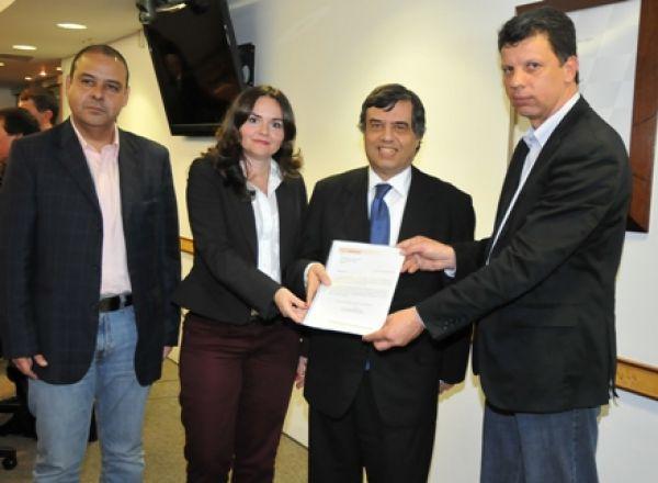 Comando Nacional entrega à Fenaban pauta de reivindicações da Campanha
