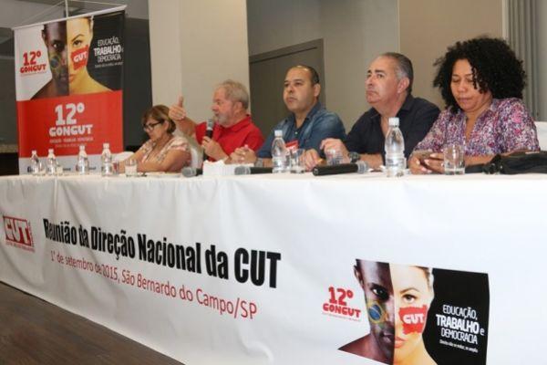 CUT responde à crise com defesa dos direitos e da democracia