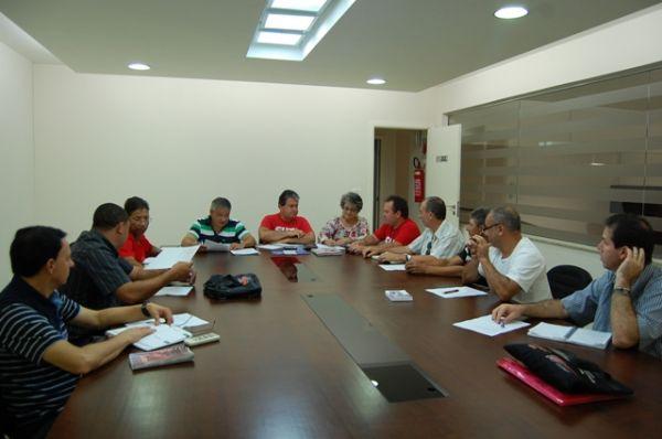Seeb Umuarama recebeu reunião da CUT Regional Noroeste