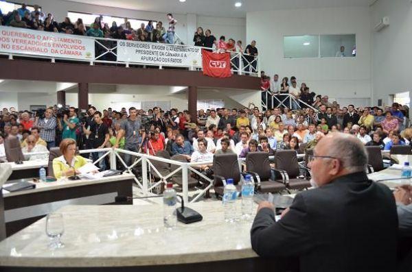 Seeb Guarapuava participa de manifestação popular
