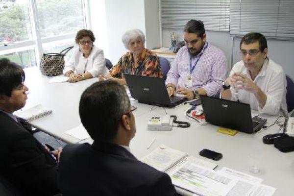 Contraf-CUT retoma debate com Caixa sobre plano de saúde dos empregados
