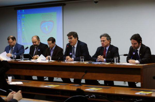 Mesa de diálogo pede fim aos paraísos fiscais