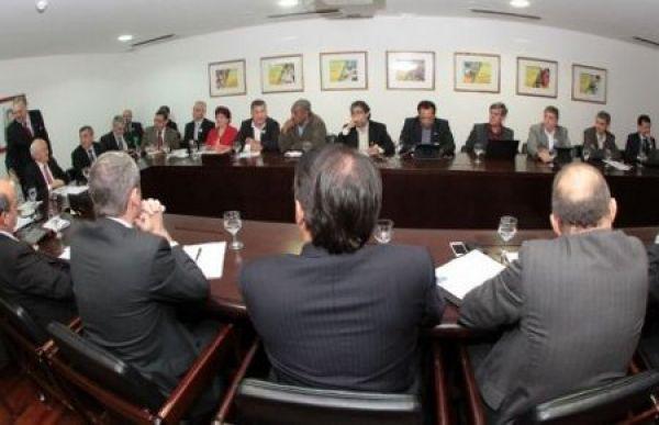 CUT e centrais conseguem adiar votação do PL 4330 na CCJC da Câmara