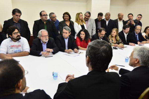 Caixa assina acordo coletivo e PLR será depositada nesta sexta-feira