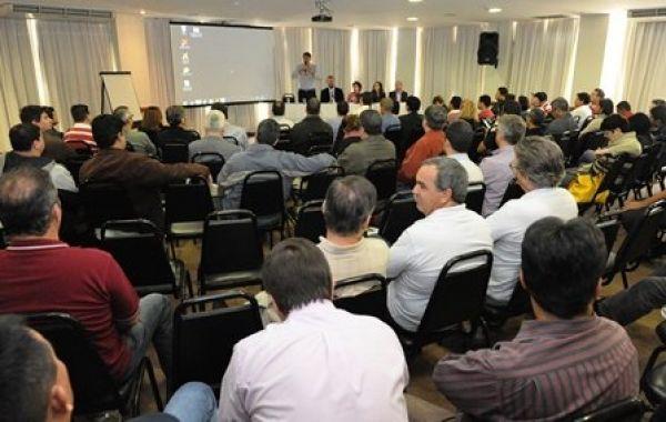 Encontro Nacional reforça unidade e mobilização contra ataques do Santander
