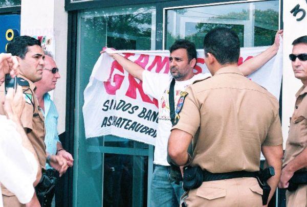 TST condena 8 bancos por usar ações judiciais para inviabilizar greve