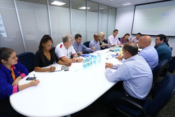 Contraf-CUT se reúne com banco Itaú para debater agências digitais