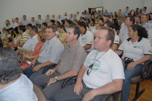 Seeb Umuarama participa da solenidade de renovação do Programa Compra Direta