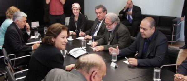 Miriam Belchior reafirma à Contraf-CUT Caixa 100% pública e mais diálogo