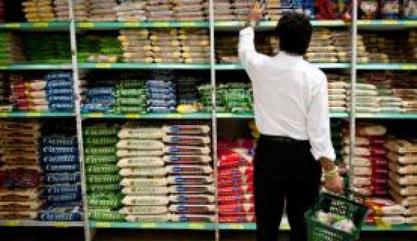 Cesta básica sobe e salário mínimo do Dieese deveria ser de R$ 3.079,31