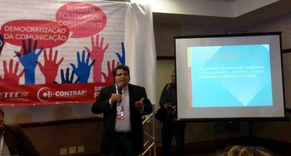 Palestrante critica terceirização na Conferência Estadual dos Bancários